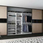 Почему лучше подбирать полувстроенный шкаф